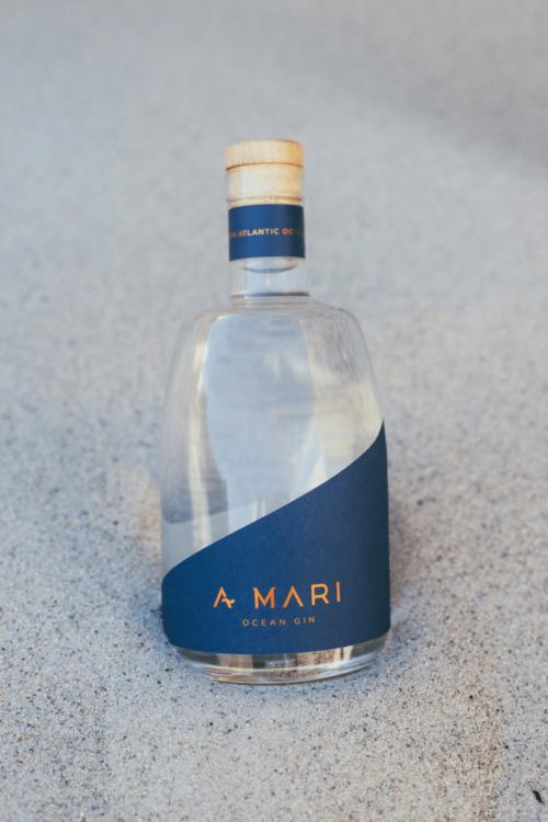 A Mari Atlantic Ocean Gin - Gin on the beach