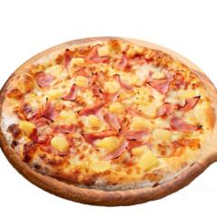 Pizza Hawaii (with Pineapple)